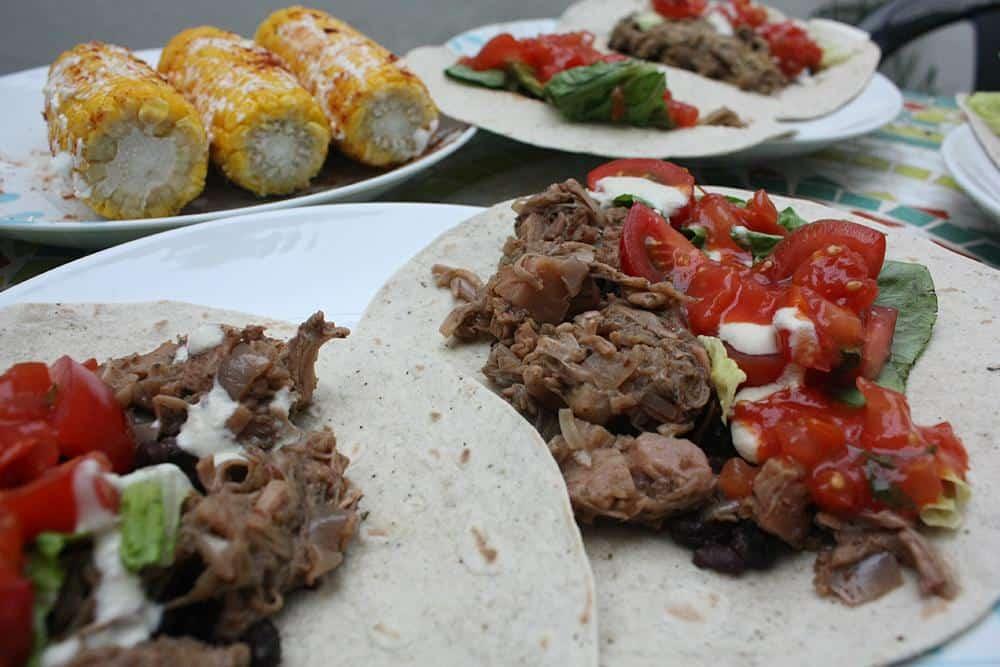 Vegan carnitas tacos
