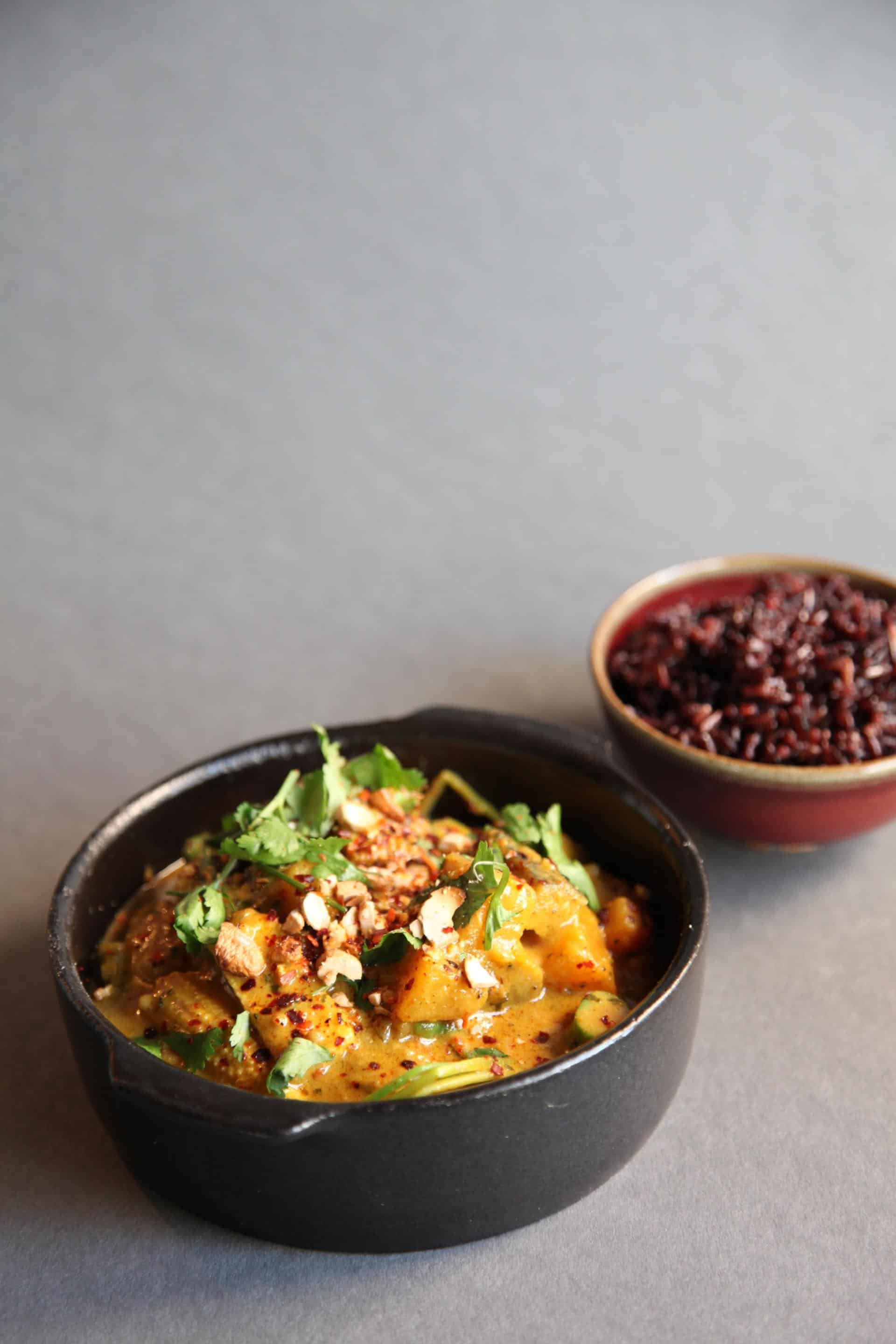 Fresh Thai-style curry with black rice, Green Spot, Barcelona