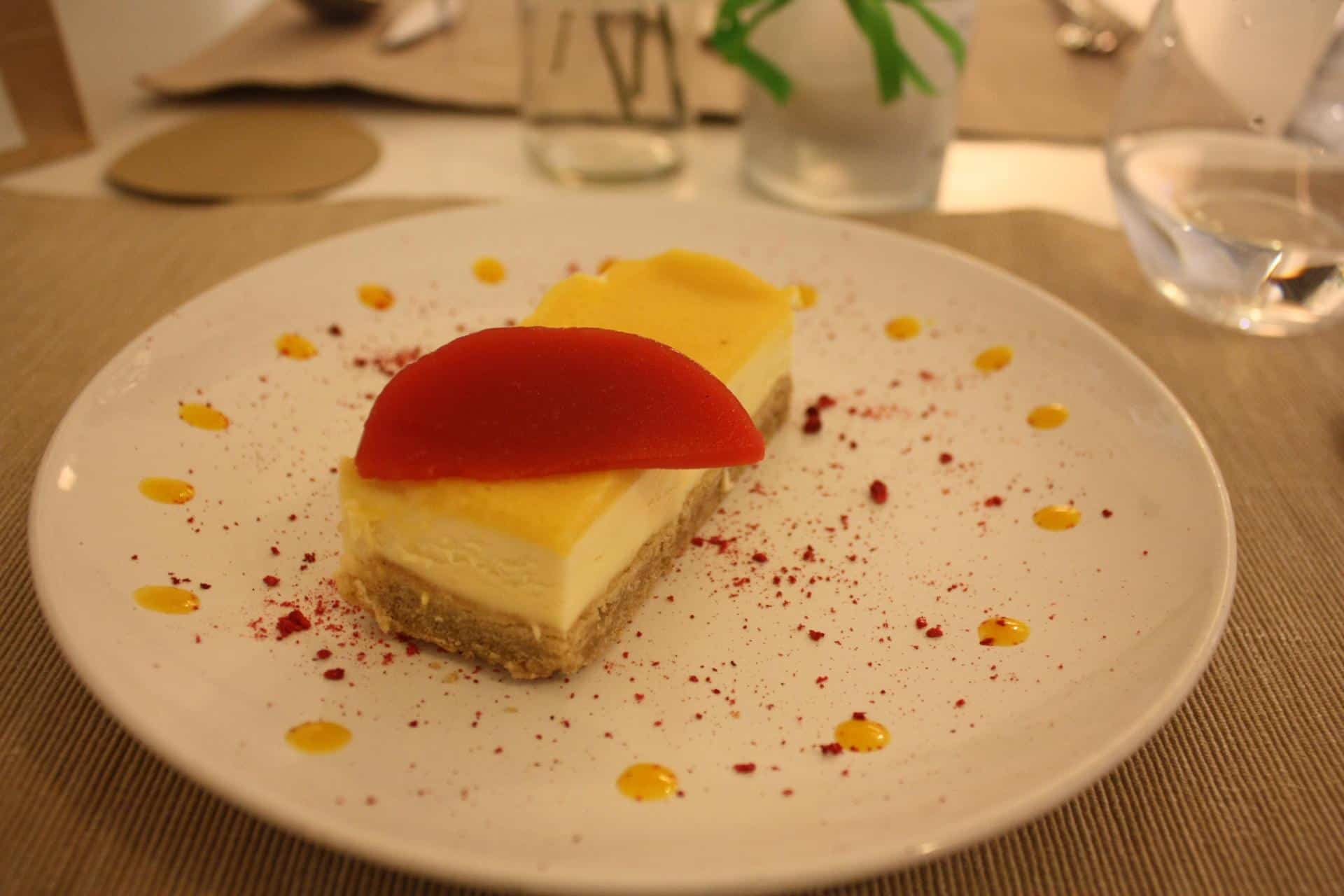 Passionfruit and white chocolate mousse cake, El Vergel, Tarragona