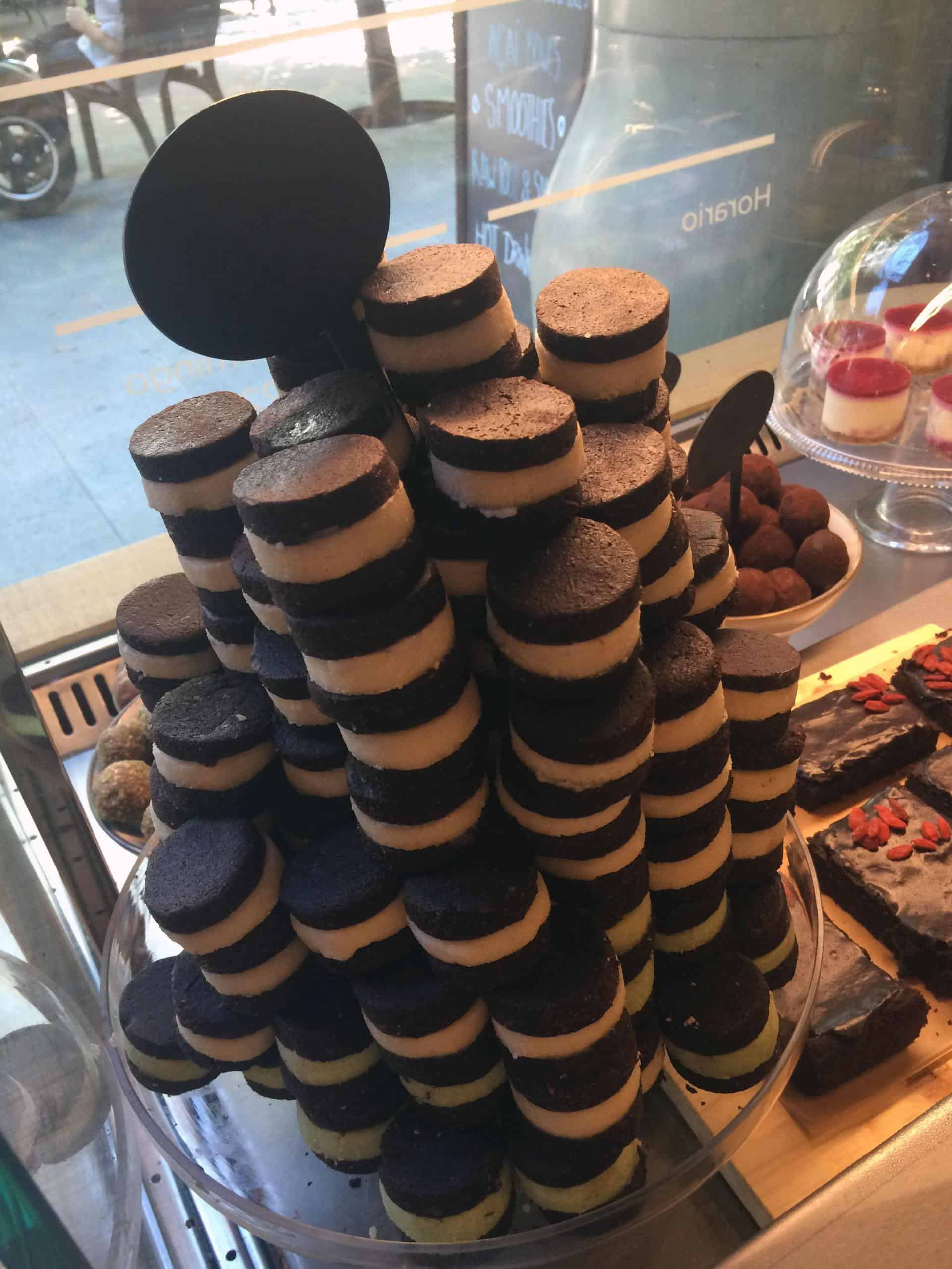 Raw vegan oreos at Green & Berry, Barcelona