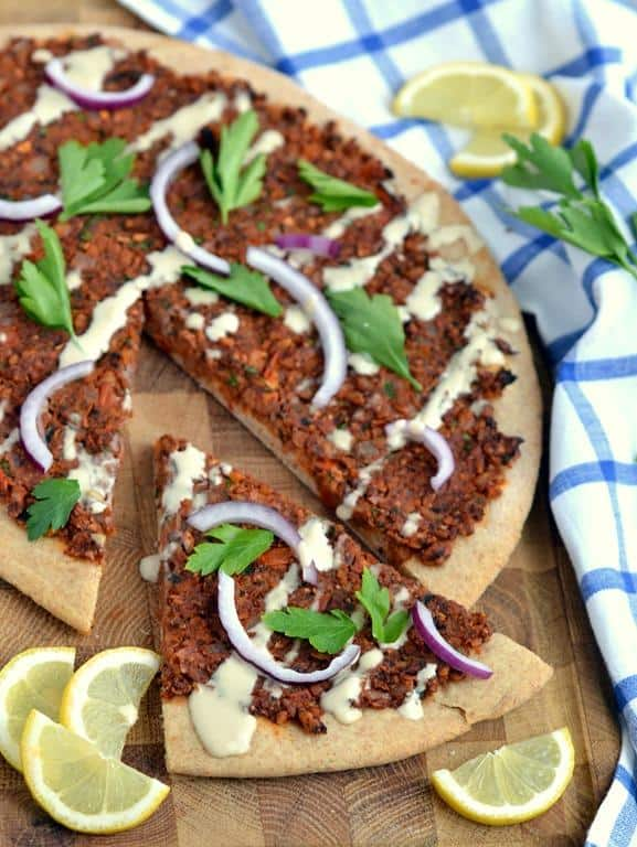 Vegan Turkish pizza (lahmacun)