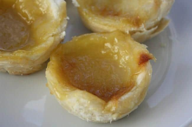 Vegan picnic recipes: Portugese egg custard tarts (pasteis de nata)