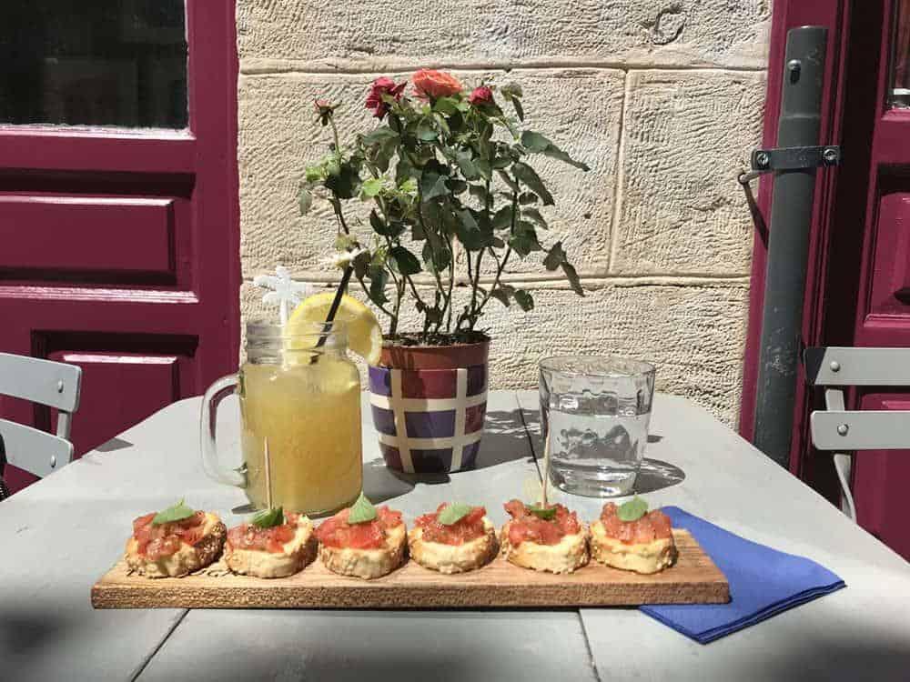 Bruschetta, Tortuga cafe, Aegina, Greece