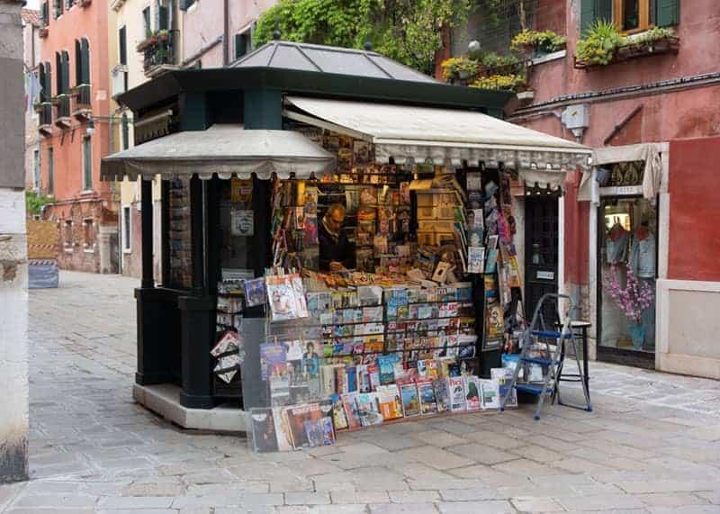 Magazine kiosk